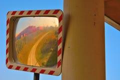 Miroir convexe de rue photographie stock