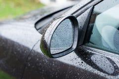 Miroir d'aile noir de voiture Images libres de droits
