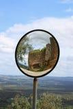 Miroir rond de vue dans Evoramonte Images stock