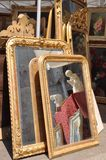 Miroirs sur le marché aux puces Piazza San Zeno Verona photos libres de droits
