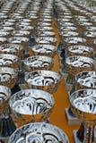 Miroiter les tasses argentées aux gagnants des récompenses de concours Images libres de droits