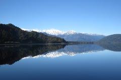 Mirror湖,弗朗兹约瑟夫,新西兰 免版税图库摄影