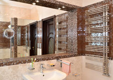 Mirror niche in a bathroom Royalty Free Stock Images