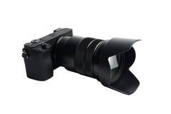 Mirrorless Cyfrowa kamera z teleobiektywem, odizolowywającym na bielu zdjęcie royalty free