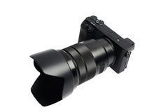 Mirrorless Cyfrowa kamera z teleobiektywem, odizolowywającym na bielu fotografia royalty free