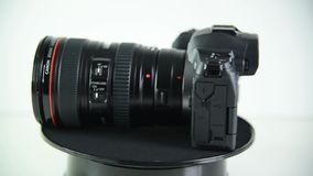 Mirrorlesscamera Canon EOS R stock videobeelden