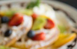 Mirtillo offuscante Kiwi Fruity Waffle Dessert Background della fragola di stile per progettazione 2 immagine stock