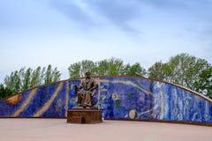 Mirzo Ulugbek雕象在Ulugbek观测所的  库存照片