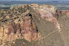 Misär Ridge - Smith Rock State Park - Terrebonne, Oregon Arkivfoton