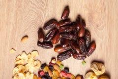 Miscela dei dadi secchi e dei frutti Immagine Stock Libera da Diritti