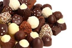 miscela dei dolci delle caramelle di cioccolato su bianco Fotografia Stock Libera da Diritti