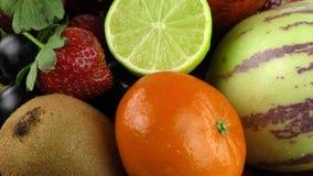 Miscela della composizione di frutti stock footage