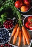 Miscela della frutta, delle verdure e delle bacche Immagine Stock