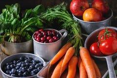 Miscela della frutta, delle verdure e delle bacche Fotografie Stock