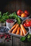 Miscela della frutta, delle verdure e delle bacche Fotografia Stock