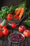 Miscela della frutta, delle verdure e delle bacche Fotografie Stock Libere da Diritti