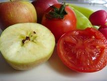 Miscela della frutta e delle verdure fresche Fotografie Stock Libere da Diritti