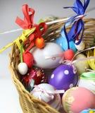 Miscela delle uova di Pasqua vive multicolori Fotografie Stock