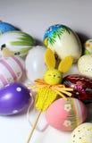 Miscela delle uova vive multicolori e del coniglio di Easer Fotografia Stock