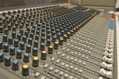 Miscelatore di musica e del suono Fotografie Stock