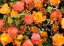 Misch-boquet mit Herbst farbigen Rosen Lizenzfreie Stockbilder