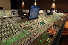 Mischende Audiokonsole stockbild