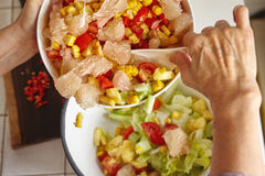 Mischender Salat Stockfoto
