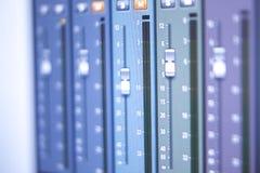 Mischender Schreibtisch des Tonstudios Stockfoto