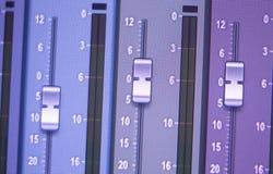 Mischender Schreibtisch des Tonstudios Stockfotografie