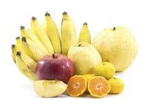 Mischfrüchte auf weißem Hintergrund Lizenzfreies Stockfoto