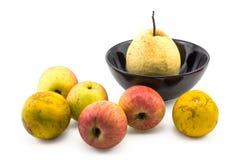 Mischfruchtstillleben auf weißem Hintergrund Lizenzfreie Stockfotos