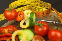 Mischgemüse auf einer Gabel Nähren Sie Konzept Das Adipositasrisiko Diät des neuen Lebensmittels Lizenzfreies Stockfoto