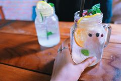 Mischitaliener-Soda des frucht-alkoholfreien Getränkes Lizenzfreie Stockfotografie