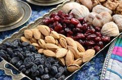Mischtrockenfrüchte und Nüsse in der orientalischen Art Stockbild