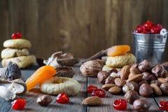 Mischung der getrockneten Früchte und der Muttern Lizenzfreie Stockbilder