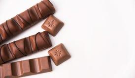 Mischung der Schokolade auf Tabelle Stockfotos