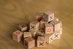 Mischung von verschiedenen Ziegelsteinen brachte durcheinander und kroch zusammen in a Lizenzfreie Stockfotografie