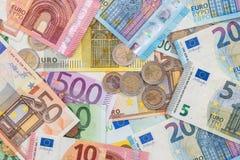 Mischungsgeldeuromünzen und -banknoten Lizenzfreie Stockfotos