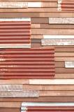 Mischwand, Zink und Holz Stockfotografie