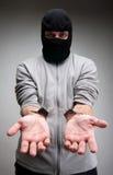 Misdadiger die in handcuffs om vrijheid vraagt stock afbeeldingen