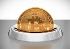 Mise de Bitcoin dans la fente de pièce de monnaie Image stock