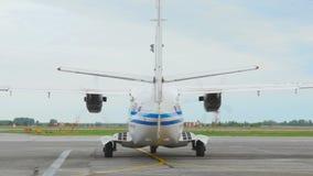 Mise en marche des avions de turbopropulseur de moteur clips vidéos