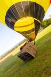 Mise en marche du ballon à air chaud Photographie stock