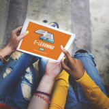 Mise en réseau d'Internet d'éducation d'apprentissage en ligne partageant le concept Photographie stock