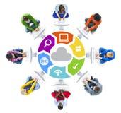 Mise en réseau de personnes et concepts sociaux de réseau informatique Images stock