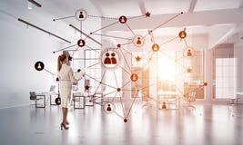 Mise en réseau et concept social de communication en tant que point efficace pour des affaires modernes Image libre de droits