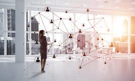 Mise en réseau et concept social de communication en tant que point efficace pour des affaires modernes Photo stock