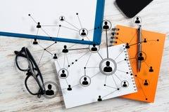 Mise en réseau et concepts sociaux de communication photographie stock