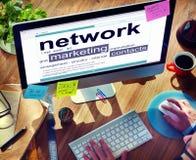 Mise en réseau lançant le concept sur le marché en ligne de lien de contacts photo libre de droits