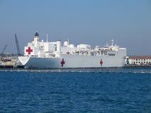 Misericordia navale della nave di ospedale alla baia di San Diego Immagine Stock Libera da Diritti